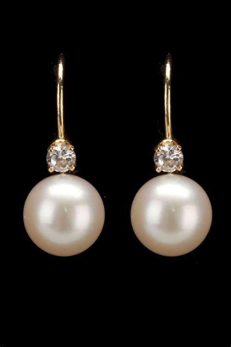Pearl Earring 17 best ideas about pearl earrings on pearl