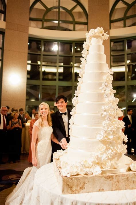 1000  ideas about Big Wedding Cakes on Pinterest   Elegant