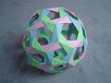 Origami Balls - modular origami balls and polyhedra folded by micha蛯