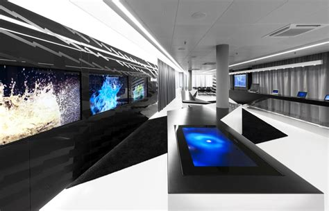 hi tech office space interior design ideas