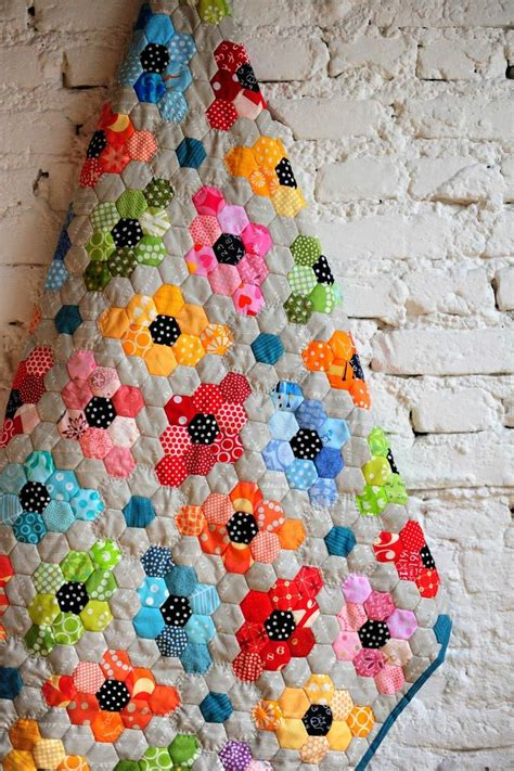 Hexagon Papers For Patchwork - 632 best images about paper piecing quilt on