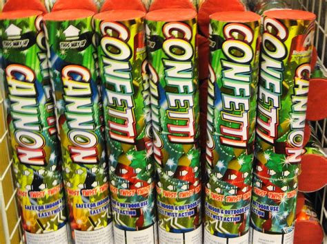 Popper Uk 30cm confetti cannon 30cm fireworks for sale in hertfordshire bedfordshire buckinghamshire and