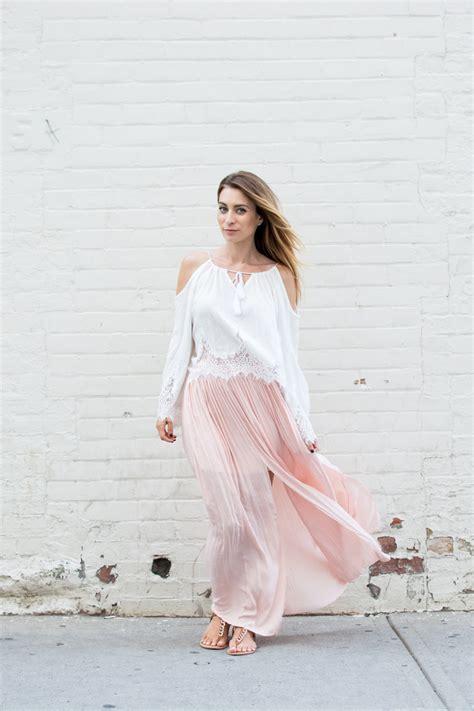 Yasmine Maxi Ootd By Thalia d 205 a look con falda larga rosada