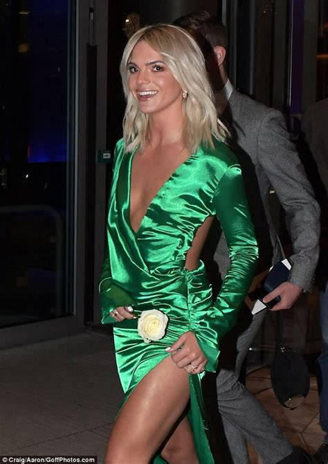 The Well Heeled Nominee by Usa Brit Awards 2018 Louisa Johnson Teases Torso In