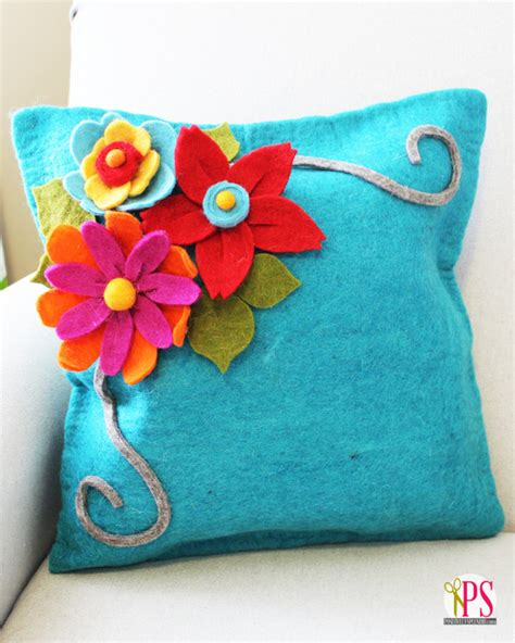 Felt Flower Pillow by Diy Felt Flower Tutorial