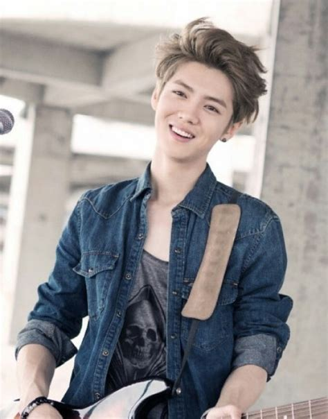 sinopsis film luhan exo luhan gives a charming smile in new stills of chinese