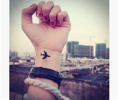airplane tattoo on finger 15 perfect airplane tattoo designs tattoos pinterest