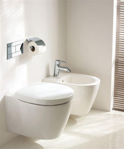 sanitari bagni piccoli salvaspazio per il bagno sanitari piccoli cose di casa