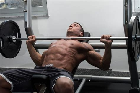 bench press help how long will it take to get abs with a bench press