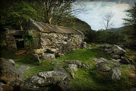 cottage wales abandoned cottage wales by wandereringsoul on deviantart