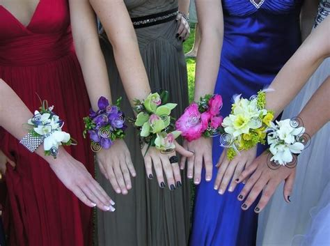 wrist corsages prom 2015 prom wrist corsages using the new wires corsages