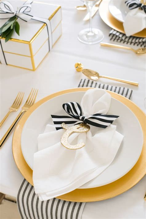dinner table setting best 25 table settings ideas on napkin table