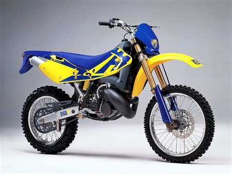 Suzuki 250 Bike Suzuki 250 Dirt Bike 2 Stroke Wallpaper For Desktop