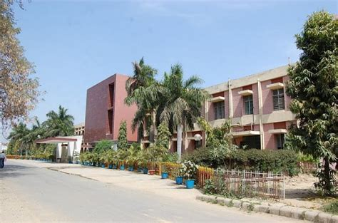 Mnnit Allahabad Mba Fees by Fees Structure And Courses Of Gautam Buddha