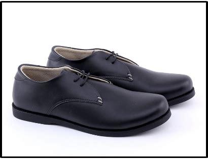 Sepatu Casual Pria Garucci Sh1167 jual sepatu kerja pria kulit branded original cibaduyut