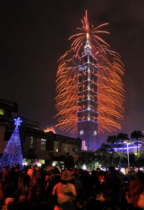 taiwan new year taipei 101 to ring in 2016 with longer fireworks display