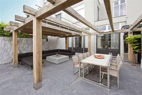 terrasse pergola holz 21 ideen f 252 r pergola im garten funktionale designs f 252 r