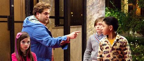 pemain film foreigner trailer jonah hill jadi baby sitter di the sitter