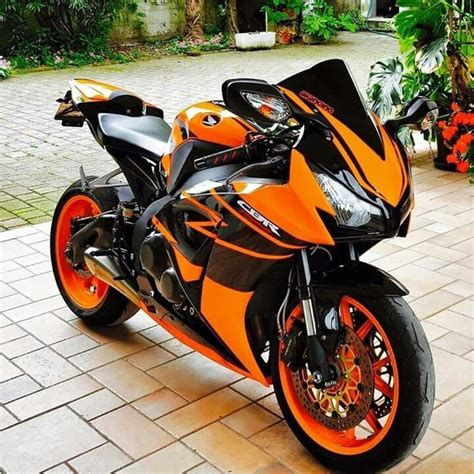 cbr street bike 25 best ideas about cbr on pinterest honda cbr 1000rr