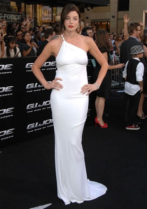 ganda style 레이첼 니콜스 rachel nichols white dress in g i joe ny
