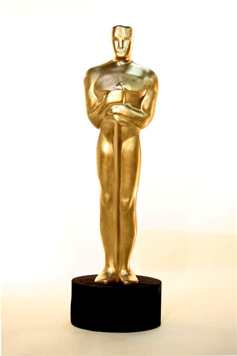 How To Make An Oscar Trophy Out Of Paper - the oscar controversy the exle of