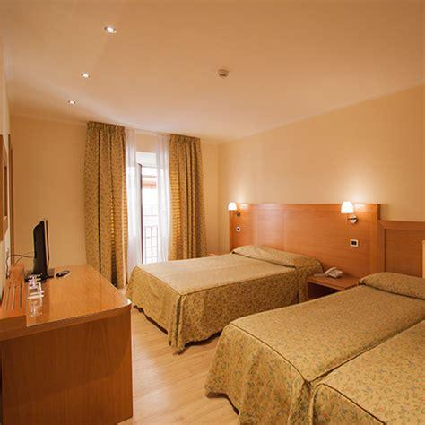 quadruple room rome hotel laurentia families  groups