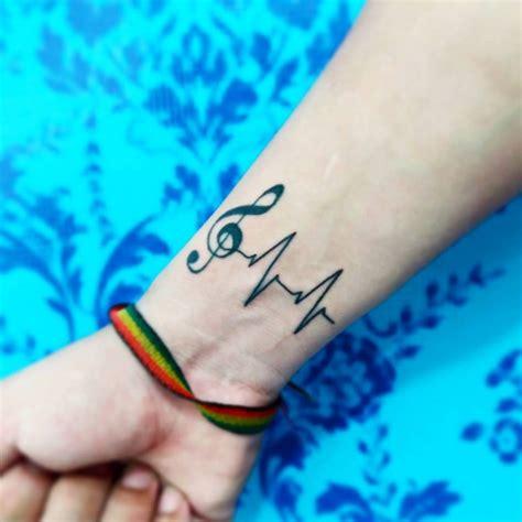 tattoo herzschlag bedeutung und 30 tolle ideen f 252 rs