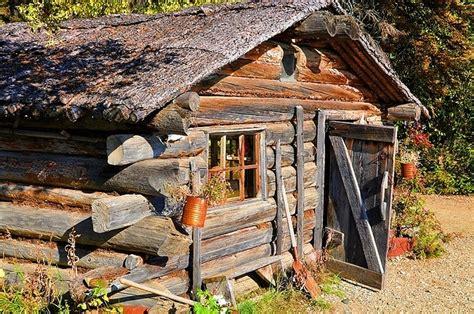 gold miners cabin alaska history