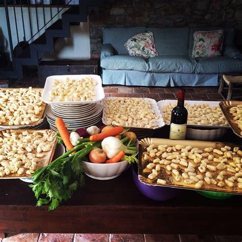 cucinare i gnocchi corso di cucina gli gnocchi mercoledi 9 marzo 2016