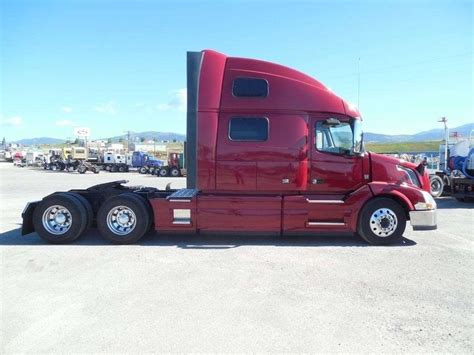 volvo semi 2018 volvo vnl64t780 sleeper semi truck for sale spokane