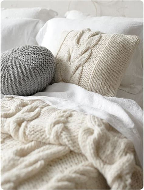 Cozy Wool Cable Knit Pillows Blanket Cream White