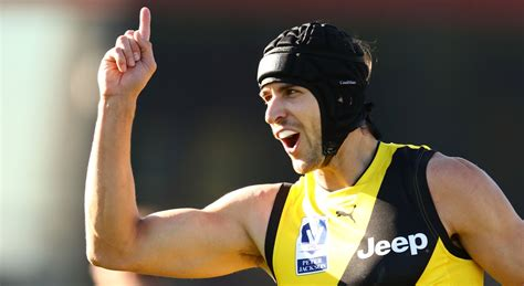 tom wilkinson williamstown stats central sandy s suffocating style vfl