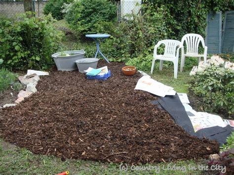 Steingarten Anlegen Ideen 3686 of garden paths with bark mulch wege und