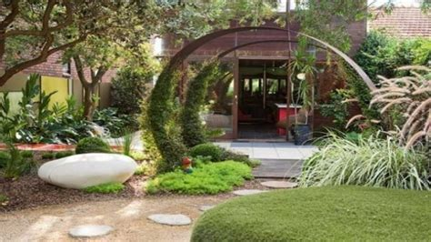 cool small backyard ideas cool small gardens image mag