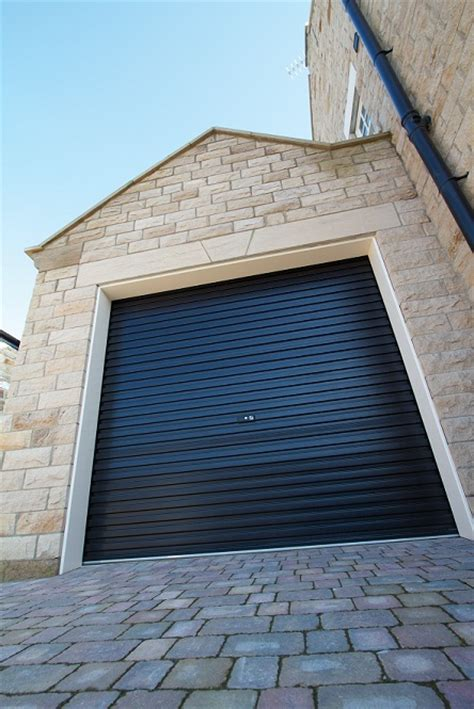 Gliderol Manual Single Skin Roller Garage Door Uk Made by Gliderol Single Skin Roller Garage Door Manual Opening