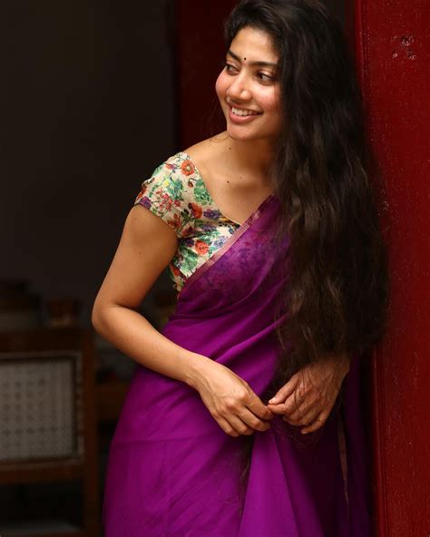 heroine cute photos super cute photo stills of actress sai pallavi south