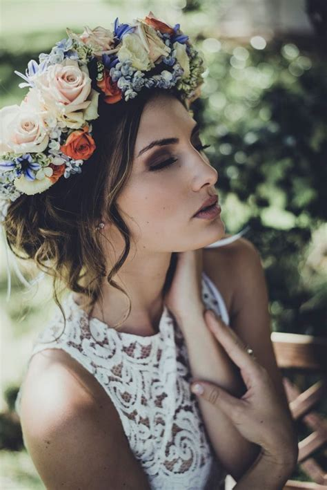 Wedding Hairstyles With Flower Crown by 15 Hairstyles With Flower Crowns For Wedding Pretty Designs