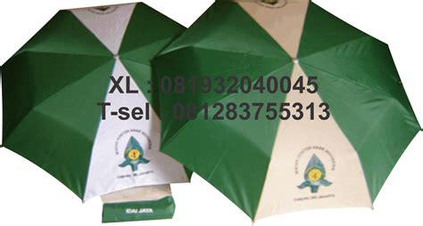 Payung Terbalik Ukuran Besar payung lipat tigaproduksi payung promosi payung souvenir