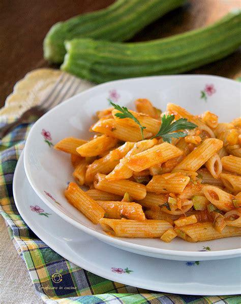 cucinare facile e leggero pasta con sugo di verdure leggero e veloce