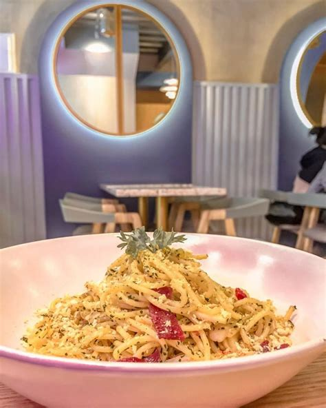 mae coffee eatery tempat nongkrong instagramable