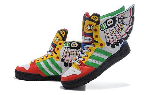 Sepatu Nike C4 kumpulan sneakers yang punya bentuk gak biasa alias jelek