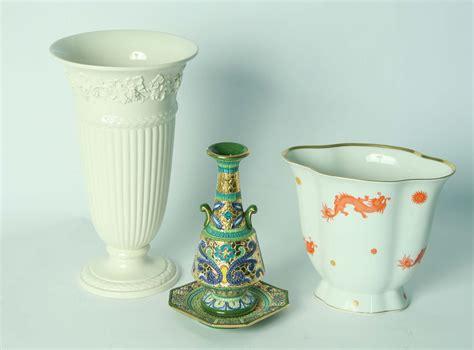vasi in ceramica moderni tre vasi moderni in ceramica di manifatture diverse
