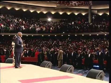 the potter house 2012 watch night service at the potter s house of dallas with bishop t d jakes youtube
