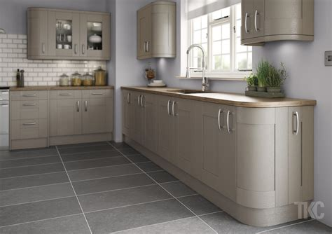 kitchen furniture uk cheap designer kitchens direct bespoke diy kitchens designer kitchens and bedrooms 01744 27600