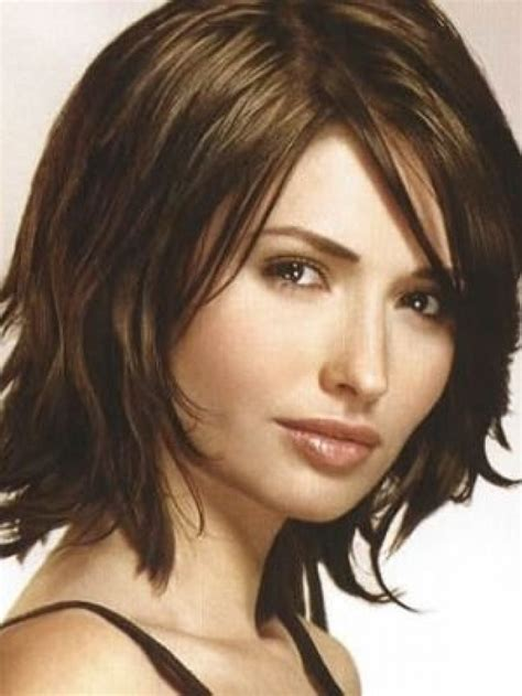 medium haircuts for thick hair and faces best hair style for with heavy faces