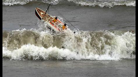 rc boats vs waves rms titanic hurricane hits famous ship will she survive