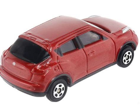 Nissan Juke No 27 Tomica 1 64 scale tomy no 27 diecast nissan juke