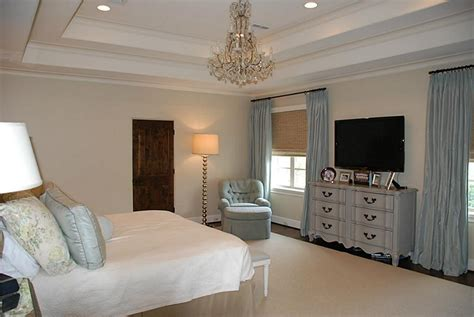 mounted tv in bedroom love the painted dresser under wall mounted tv in master apartmento 2 pinterest