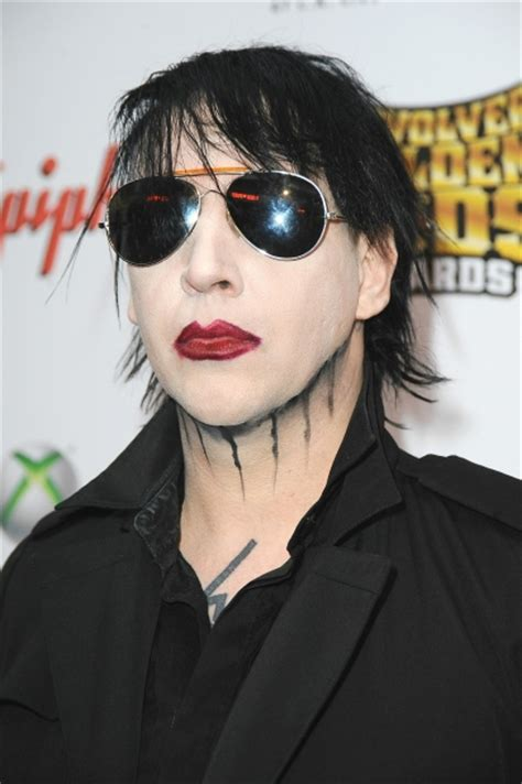 johnny depp marilyn manson tattoo video marilyn manson and johnny depp have matching tattoos