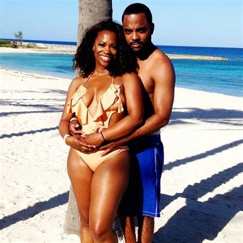 kandi burruss the real housewives of atlanta engaged kandi burruss gets a ring from producer boyfriend